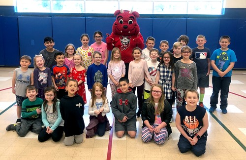 Hancock students with Binghamton Devils mascot
