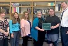 Student receives SFCU award