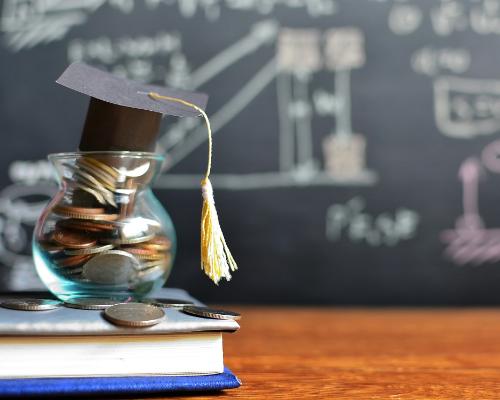 ATTENTION SENIORS | Scholarship Deadlines